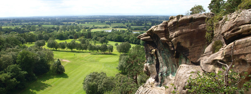 Hawkstone_Park_cliffedge